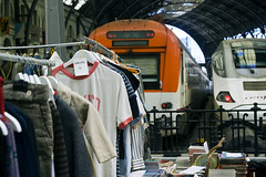 Second Hand Station (Pankcho) Tags: barcelona station vintage trenes market frana trains clothes mercado barceloneta lostandfound catalunya flea secondhand ropa estacin estaci segundamano
