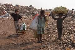 Kolkata Waste Dump Vision * (Sterneck) Tags: kolkata waste dump vision calcutta kalkutta politics politik slums india müllsammler ragpickers müllkippe mülldepnie hope slum liluah armut indien teilen share community social activists visions change ragpicker