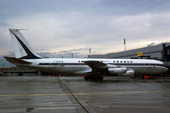 17921 B707 F-BHSN AF 1 06-77 DUS (Avia-Photo) Tags: plane airport aircraft aviation aeroplane airline boeing airlines spotting airliner airfrance boeing707 b707 dus spotter eddl