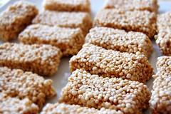 Barras de quínoa / Quinoa bars (~ tilde ~) Tags: