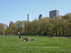 201204050 New York City Central Park (taigatrommelchen) Tags: 20120415 usa ny newyork newyorkcity nyc manhattan midtown uppereastside centralpark sky icon urban city park
