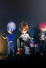 Nameless~ (neys.) Tags: blue red brown green rock fur drums concert eyes doll bass guitar stage atmosphere jade wig mao logan tae hash morinaga isul shavo taeyang
