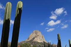 La Pea de Bernal (Hesanz photography.) Tags: blue cactus sky verde green rock azul mxico clouds canon eos bluesky cielo nubes monolith roca maguey monolito quertaro peadebernal cieloazul 70d pueblomgico