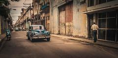 Streets of Havana - Cuba (IV2K) Tags: street zeiss 35mm sony havana cuba centro castro caribbean cuban habana kuba lahabana centrohabana rx1 centrohavana