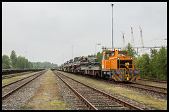 Wagon Care DVVO rangeerloc+MVV te 't Harde (MyronvRuijven) Tags: wagon t loc care trein mvv harde hde cockerill militair voertuigen raccordement defensie rangeer dvvo
