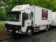 "VOLVO FL6 ""Les Flying Mendona"" (P) (xavnco2) Tags: france truck volvo circo circus lorry camion trucks cirque amiens intercooler picardie lkw somme autocarro fourgon forain showmen fl6 lahotoie"