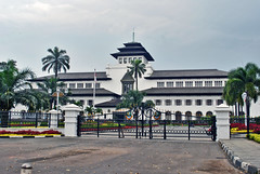 Gedung Sate (BxHxTxCx) Tags: building office bandung kantor gedung