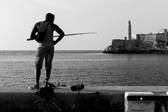 Fishing (anthonypond) Tags: bw havana cuba 50mmsummilux leicam9