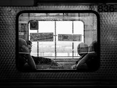 untiteld-6.jpg (Mette1977) Tags: street people urban bw monochrome candid hamburg streetphotography bahnhof olympus trainstation 45mm 2016 microfourthird