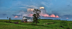 IMG_8756-58Ptzl1TBbLGE4 (ultravivid imaging) Tags: ultravividimaging ultra vivid imaging ultravivid colorful canon canon5dmk2 fields farm rural scenic clouds barn sunsetclouds