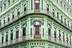 DSA_2563 (Dirk Rosseel) Tags: building green hotel balcony saratoga havana cuba front habana