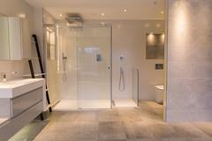 3L5A6435 (terrygrant1) Tags: bathroom porcelain tiling