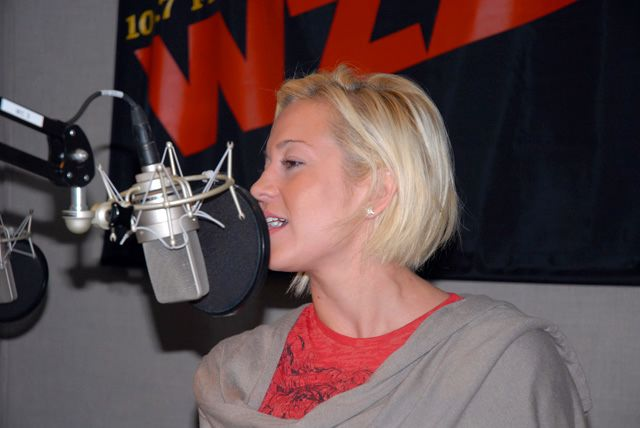 KELLIE PICKLER(2)