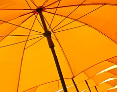 Sunny Day ... (Desideria) Tags: orange sun sol shades explore sonne naranja sombrilla sonnenschirme explorefrontpage