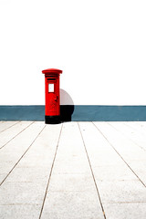 Royal mail ( www.ethanleephoto.com) Tags: red england white wall mail box royal line southampton absollute