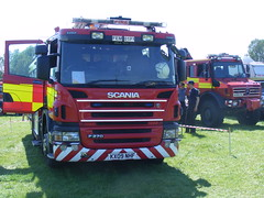 1695 - Northamptonshire Fire & Rescue Service - Scania P270 - JDC - KX09  NHF - The Mounts (Call the Cops 999) Tags: show rescue fire northamptonshire may saturday led service barton earls scania 2012 battenburg 26th jdc the mounts lightbar nhf p270 dscf6133 ky09