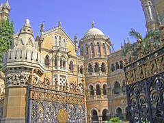 Mumbai CST (U A Satish) Tags: india landmark unescoworldheritagesite bombay maharashtra mumbai heritagebuilding victoriaterminus maximumcity britisharchitecture centralrailway mumbaivt chattrapatishivajiterminus mumbaicst sonydscs750 uasatish southbomaby