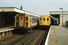 19910727 005 Lewisham Class 423 4-VEP 3500 and Class 415 4-EPB 5464 Headcode 16, Charing Cross to Sevenoaks via Orpington (15038) Tags: electric br lewisham trains emu railways britishrail 3500 5464 class423 2epb 4vep 4epb class415