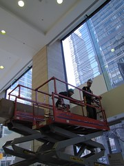 2 man job (Convenience Group window film) Tags: scissorlift windowfilm skyjack stripepattern 3mwindowfilm conveniencegroup