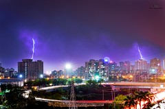 Lightening (The N!kon Guy) Tags: city rain bulb lightening vashi longexposer kitlense nikond5100 nikonfacebook