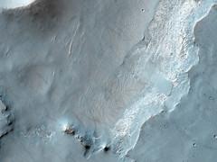 ESP_044981_1560 (UAHiRISE) Tags: mars landscape science nasa geology jpl universityofarizona hirise mro