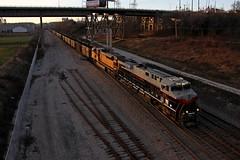A Taste of Peach (Nick Brown 261) Tags: sun heritage set train ns milwaukee locomotive photographj