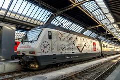 The watch locomotive (jaeschol) Tags: switzerland railway bahnhof sbb locomotive zrich ch zrichhb re460 electriclocomotive gottardo2016 gottharddampf re460044
