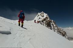 014-A 30 m del fals Cim (ferran_latorre) Tags: mountain makalu cim alpinism cumbre ferranlatorre cat14x8000