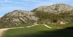 Asturias, Nava, parroquia de Nava (Vfersal) Tags: asturias nava paisajerural paisajenatural paisajecultural lespraeresdenava