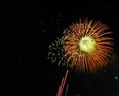 IMG_8604 (mariej55quebec) Tags: light color lumire firework qubec stjeanbaptiste plainesdabraham feuxartifice