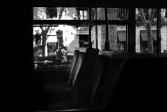 (Raymond Wealthy) Tags: street new shadow people blackandwhite bw españa blancoynegro person persona blackwhite spain nikon europe gente noiretblanc streetphotography bn espana vida shade espagne spanien gens noirblanc streetshot blanconegro nikond80 blancoenegro blancoenero