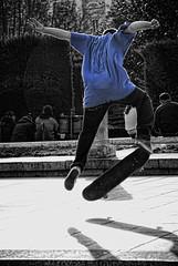 Jump in blue / Salto en azul (Jesus Solana Poegraphy) Tags: madrid plaza blue bw blanco azul cutout square jump y board negro bn skate salto oriente rap orient boarding monopatin coloreado selectivo nikond80