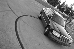 Which is better my drift or my photography  ??? (Micho Photographer) Tags: black speed garden mercedes miami parking lot syria 1994 drift donate w124 e320 فرخ الشبح ميامي تشفيط مارسيدس دريفت