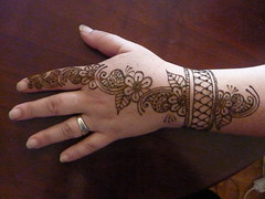 P1060326 (Sahara Henna) Tags: vienna wien flower austria sterreich henna bodyart mehndi saharahenna
