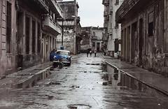 Cuba 2003 - a wet day in Havana (Sallyrango) Tags: 2003 reflection wet classiccar havana cuba havanna scannedimages