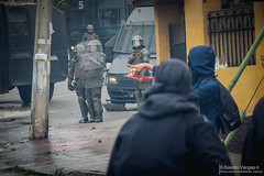 (. . .) Tags: chile valparaiso riot sitting protest playa protesta strike ancha upla