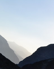 cruce a Chile (Stubborn_d) Tags: chile luz argentina atardecer sombra paisaje cielo andes montaa sombras libertador cordillera triangulos