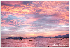 Cotton candy sunset (Olivia Heredia) Tags: sunset sky beach mxico clouds mexico atardecer rosa playa cielo nubes acapulco cottoncandy hdr highdynamicrange photomatix 1exp oliviaheredia