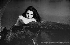 DSC_1450+ (SuzuKaze-photographie) Tags: portrait bw woman france lyon bokeh femme nb shooting dor parc swirly tte suzukazephotographie