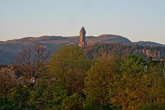 The National Wallace Monument in Stirling (penlea1954) Tags: uk monument abbey river scotland forth national craig wallace below the
