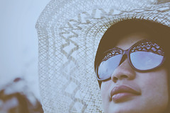 The White Hat (eternal_ag0ny) Tags: vacation india holiday beach hat seaside nikon friend goa nikkor spec 18200mm d300s