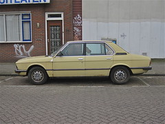 88-RA-13 BMW E12 525 Limousine Automatic, 1977 (ClassicsOnTheStreet) Tags: classic amsterdam yellow sedan jaune voiture gelb automatic bmw 70s oldtimer streetphoto spotted 1970s 1977 saloon 525 geel limousine berline streetview 2012 straatbeeld gandini strassenszene noord pkw amsterdamnoord klassieker 6cylinder frua gespot e12 meeuwenlaan straatfoto marcellogandini carspot 6cilinder bracq cwodlp 88ra13 e12series