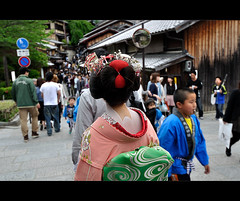 A Geisha Henshin wonders in Gion Kyoto and into its future, Japan (oharran) Tags: japan kyoto maiko geisha experience makeover gion