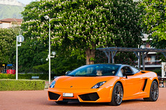 Orange Bicolore (Lambo8) Tags: horse orange france car les canon eos photo hp italia power d s lp posterior mk2 5d af evian gt lamborghini 74 supercar ch mkii bains markii 74500 mark2 afd bicolore longitudinal 5604 hypercar worldcars lp560 lp5604