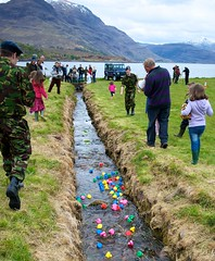 Duck race final (Feis Alligin) Tags: 2012