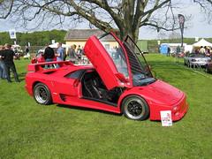red cars diablo lamborghini v12