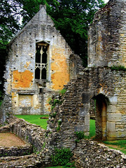 "Minster Lovell Hall near Oxford • <a style=""font-size:0.8em;"" href=""http://www.flickr.com/photos/44919156@N00/7387413678/"" target=""_blank"">View on Flickr</a>"