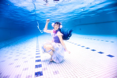 Sonoda Umi (bdrc) Tags: blue portrait game anime pool girl swimming underwater cosplay sony kitlens floating catherine housing umi sonoda lovelive a6000 meikon selp1650 asdgraphy