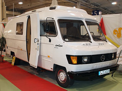Orion Camper (The Rubberbandman) Tags: auto 3 bus classic home up mobile truck vintage germany mercedes benz essen d iii german 600 orion restored techno vehicle oldtimer van rv q camper 209 motorshow fahrzeug classica 209d 600q