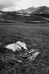 (Mario Cavigli) Tags: fuji biancoenero norcia castelluccio draghi x100s